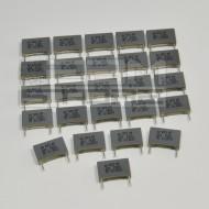 SOTTOCOSTO 25pz condensatore poliestere 220pF 2000V P=15mm